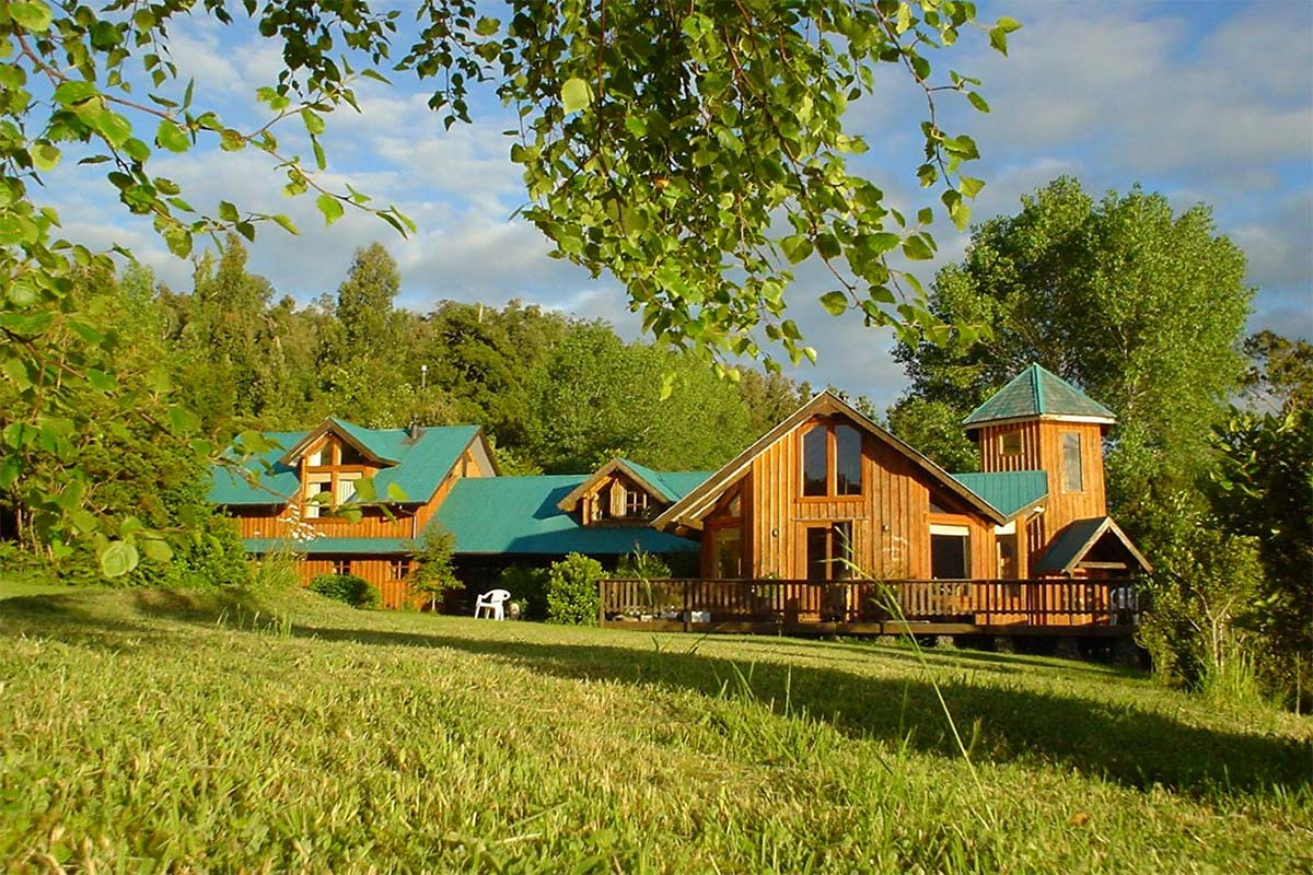Accommodations at the Aluantu Retreat Center in Patagonia, Chile